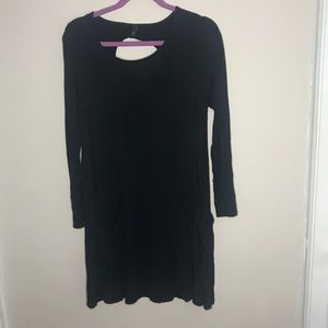 Simple black dress with pockets